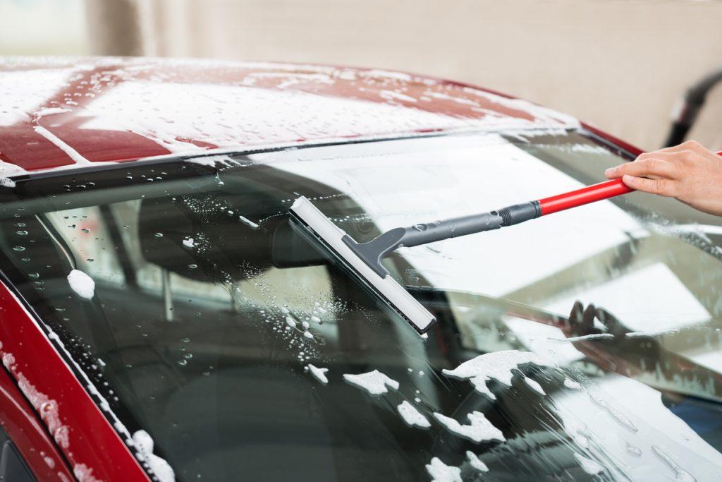 Washing windshield